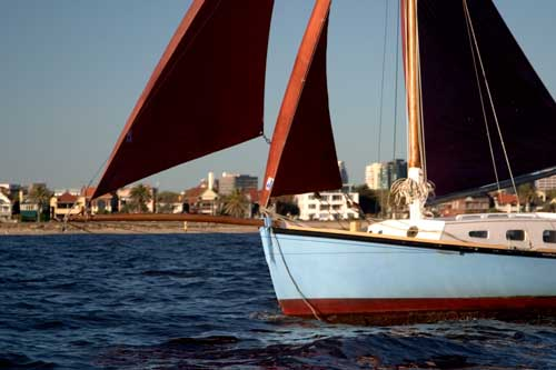 couta-boats-bowsails